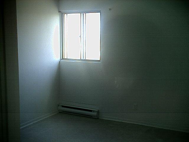 302bedroom.jpg