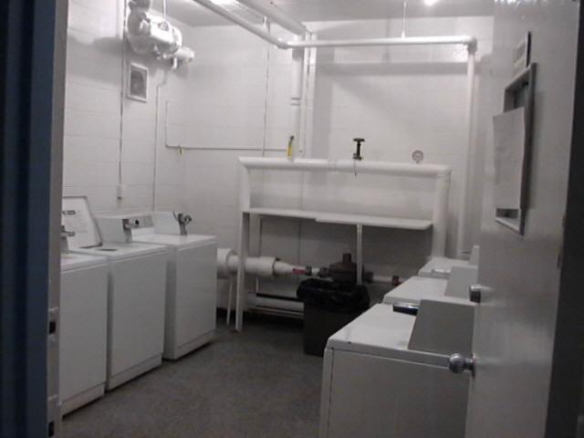 laundrya.jpg
